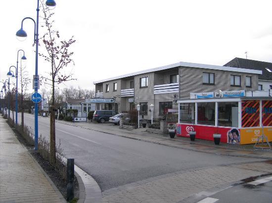 Familien- & Aparthotel Strandhof: Strandhotel Tossens