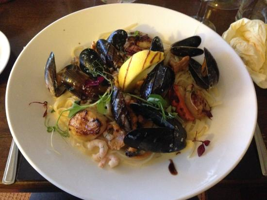 Tingle Creek Hotel: MAINS - Seafood & Chanterelle Linguine