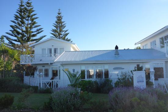 Brenton Beach House : The Building