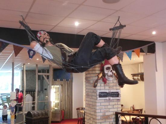 The Pirate Restaurant: Eat at your Leisure