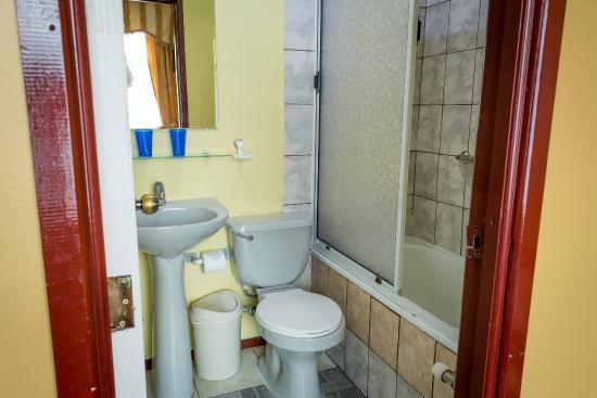 Hotel Alcazar: Baños