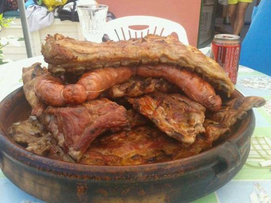 Villasobroso, Spain: Churrasco, uno de los platos típicos que se puede saborear en VILASOBROSO.-