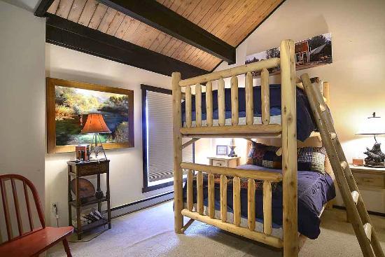 San Moritz Condominiums: Bedroom