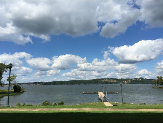 Inn at Pickwick Landing: View from Room 104