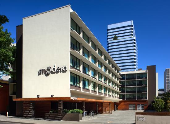 Hotel Modera: Hotel Exterior