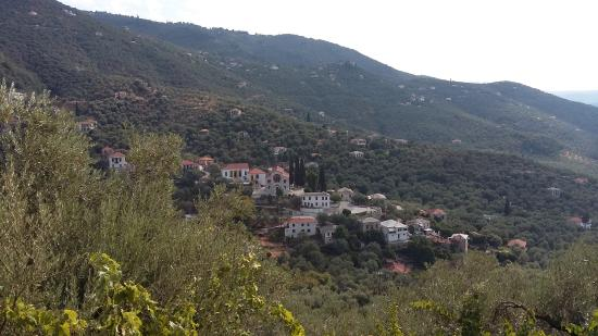 Magnesia Region, Griekenland: The village from the little train of pelion