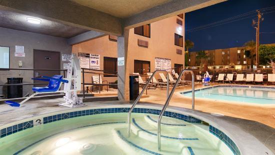 Best Western Plus Park Place Inn Mini Suites