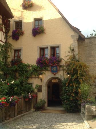 entrance to hotel parking available picture of burghotel rothenburg tripadvisor. Black Bedroom Furniture Sets. Home Design Ideas