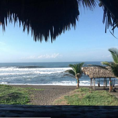 Paredon Surf House: View from Bunaglow