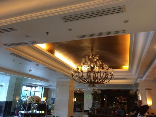 The Papandayan: Lobby