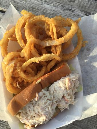 Schutty's Seafood: Crab Roll with onion rings