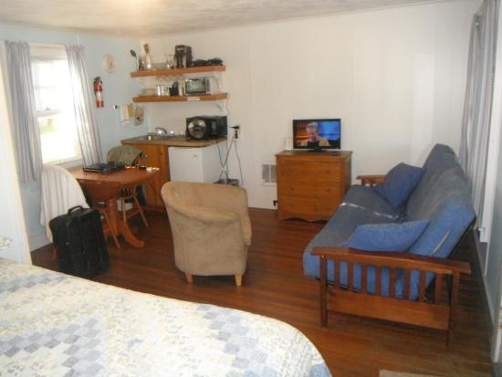 Llangolan Inn & Cottages: Small and cozy...