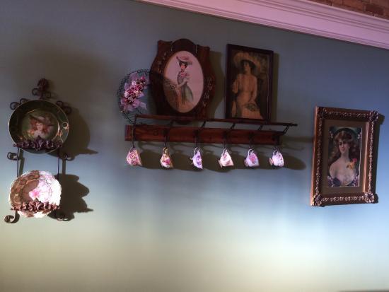 Governor Croswell Tea Room