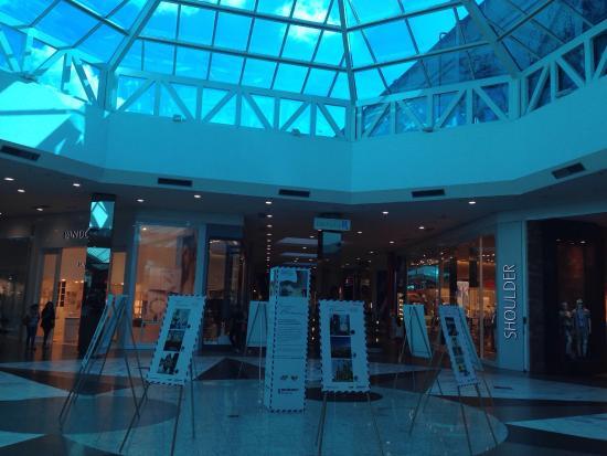 e01bb06220 Sinhá Benta - Neumark Shopping - Picture of Neumarkt Shopping ...