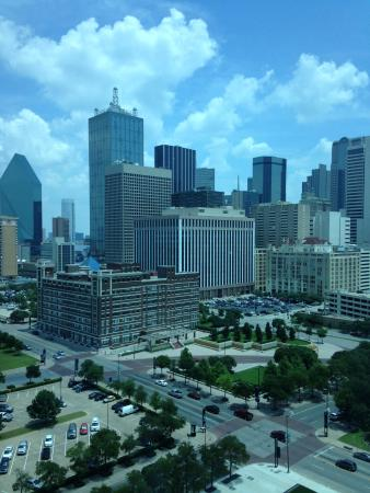 vista del downtown desde omni hotel dallas picture of. Black Bedroom Furniture Sets. Home Design Ideas