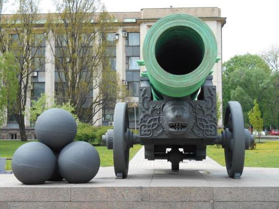The Tsar Cannon: Tsar cannon