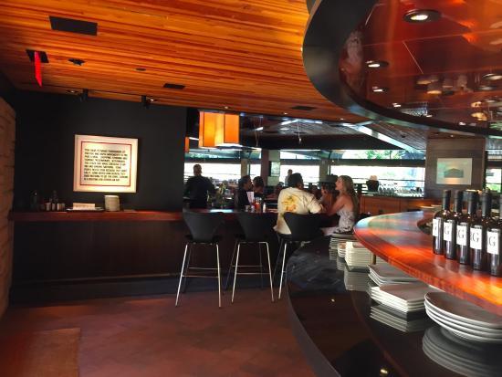 Внутри ресторана - Picture of R+D Kitchen, Yountville - TripAdvisor
