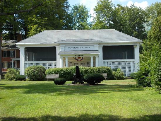 Woodman Institute Museum