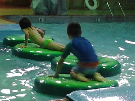 Baymont Inn and Suites: Playing Leap Frog.