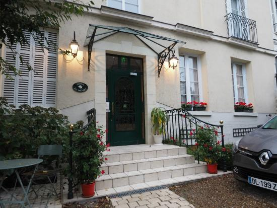 Hotel du Manoir: ホテル入口