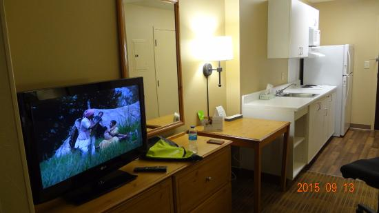 Extended Stay America - Washington, D.C. - Herndon - Dulles : Nice Room View with LCD TV, Work table etc