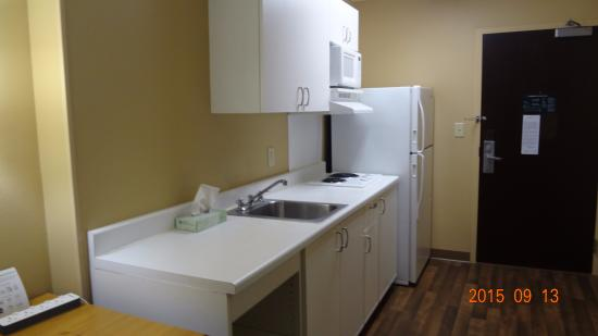 Extended Stay America - Washington, D.C. - Herndon - Dulles: Nice room with Microwave and Fridge.
