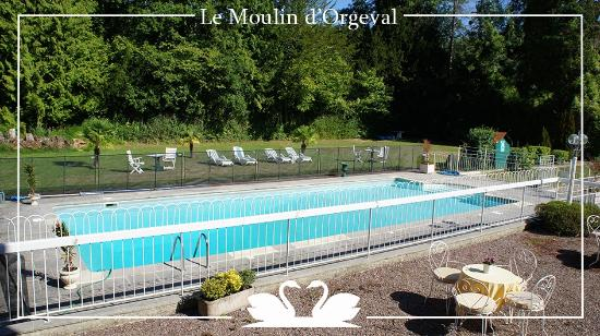 Piscine ext rieur du moulin d 39 orgeval picture of moulin for Piscine moulins