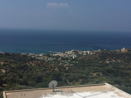 Morpheas Apartments: Plakias from Mirthios