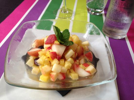 Salade de fruits frais photo de carte sur table cavaillon tripadvisor - Carte sur table cavaillon ...