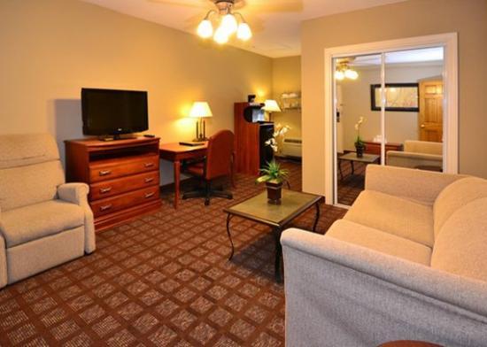 Quality Inn & Suites: P