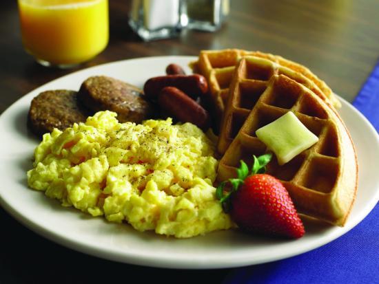 Comfort Inn - Amherst: Free full breakfast served daily