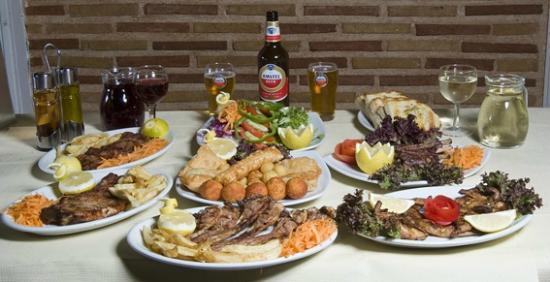 Ταβέρνα οι Φοίνικες: Τα φαγητά μας