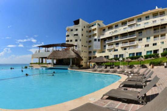 Bsea Cancun Plaza: exterior