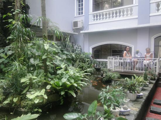 Kim Hotel: inside garden 01/2014