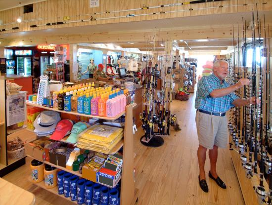 Springmaid Beach Resort & Conference Center: Gift and Tackle Shop on the Pier