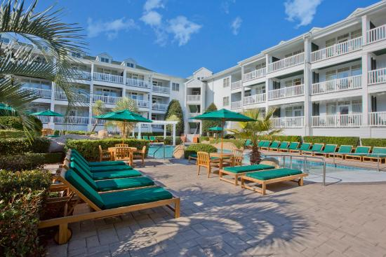 Turtle Cay Resort : Turtle Cay Pool Deck