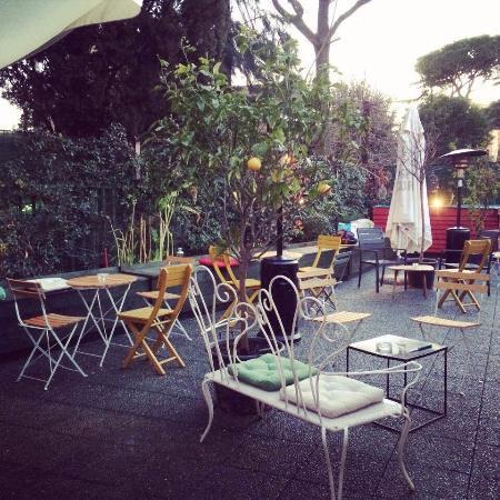 Apartment Bar: Terrazzo 1