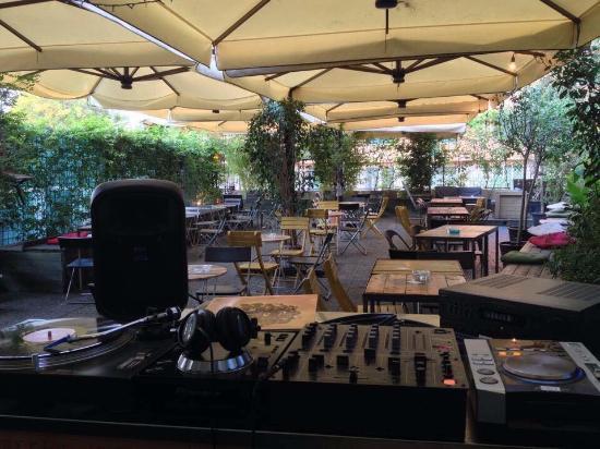 Apartment Bar: Terrazzo 2