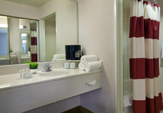 แคลกามัส, ออริกอน: Suite Bathroom
