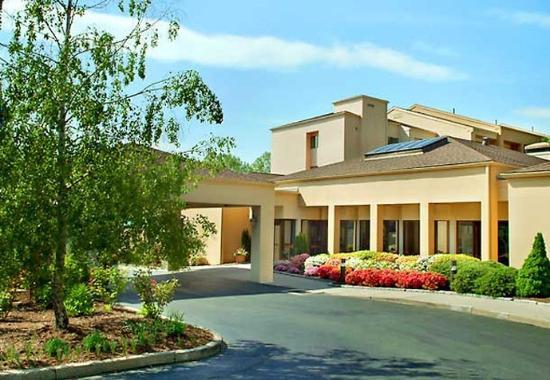 Hotels Near New Fairfield Ct