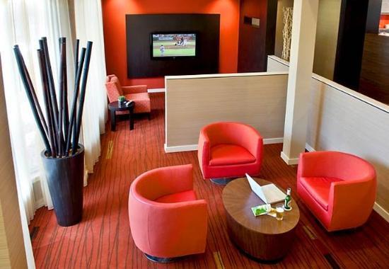 Wayne, Πενσυλβάνια: Lobby Lounge
