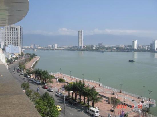 Green Plaza Hotel: 部屋からはハン川がすぐ前に見えます。