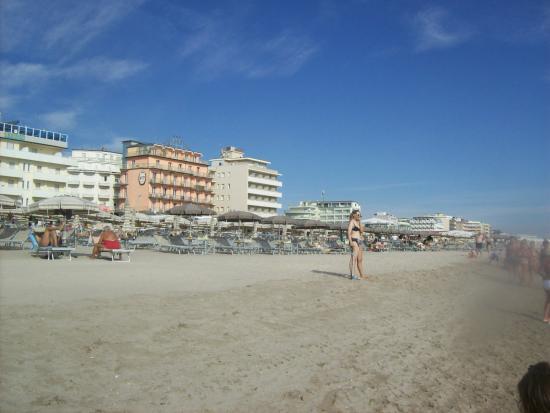 Hotel Rosen Garden : Strandsicht vom Meer aus