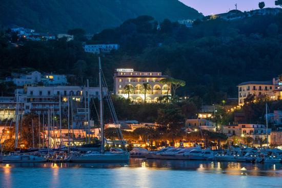 Казамиччола-Терме, Италия: Hotel Vista Panoramica dal Porto di Casamicciola