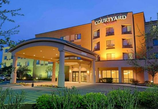 Photo of Courtyard by Marriott Salisbury