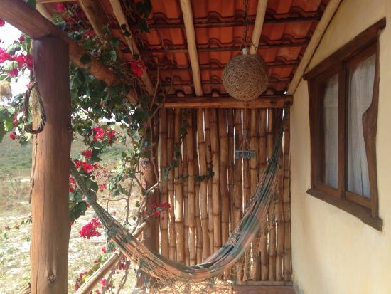 Chalés aconchegantes com ótima estrutura! Comportando desde casais em viagem romântica quanto gr