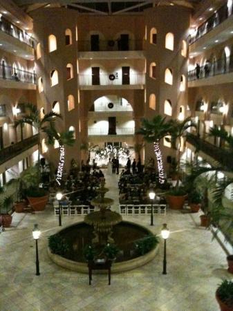 Embassy Suites by Hilton Charleston - Historic Charleston: Atrium Wedding