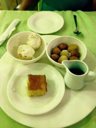 Olive Garden: Complimentary dessert