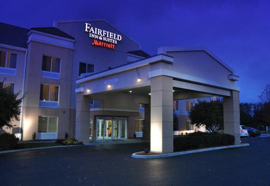 Fairfield Inn & Suites Christiansburg: Exterior