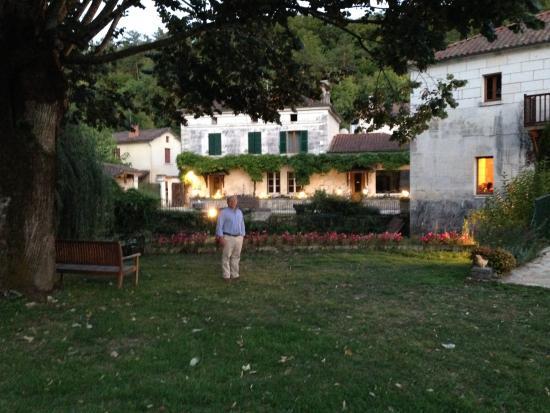 Le Moulin De Vigonac: Hotel from the garden